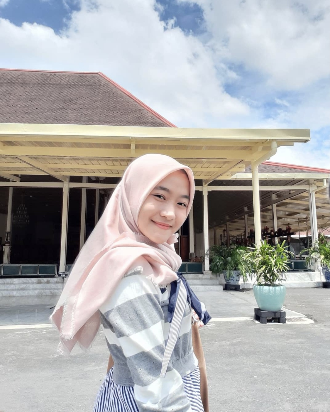 You are currently viewing Zahra Aulia